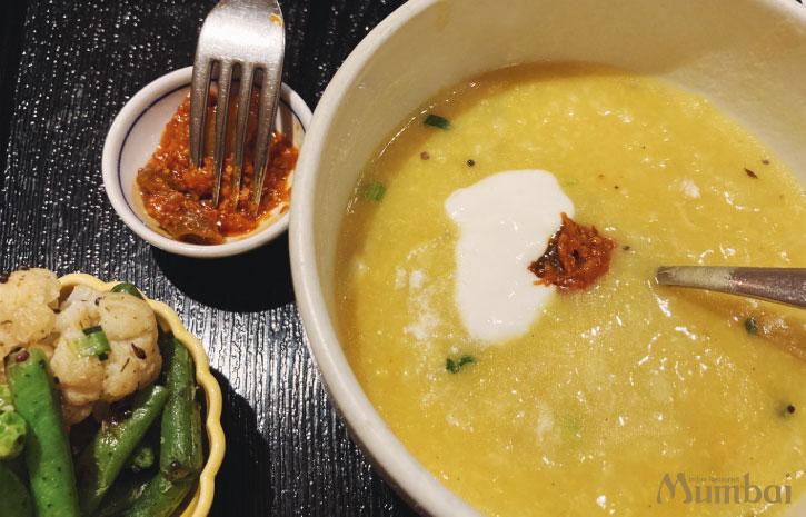 キチュリ khichidi インドのお粥 インド料理ムンバイ 七草粥 銀座店 ランチ ディナー キチュリセット キチュリの食べ方