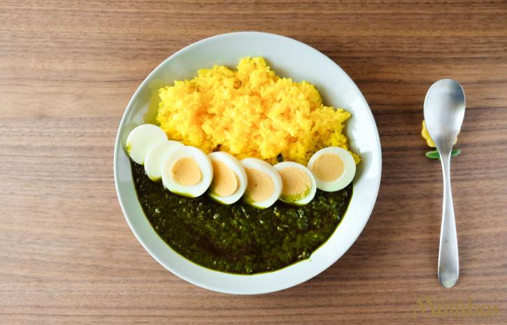 ほうれん草とたまごのカレー 冷凍カレー トッピング アレンジ レシピ インド料理ムンバイ