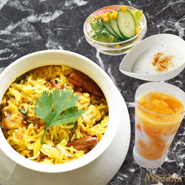 チキンビリヤニ ライタ マンゴーラッシー インド料理ムンバイ 丸の内 平日夕ごはん ディナー 国際ビル 丸の内ドットコム