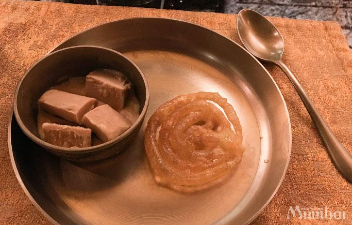クルフィ ジャレビ ミタイ インドスイーツ インド菓子 インド旅行 ムンバイ India Mumbai