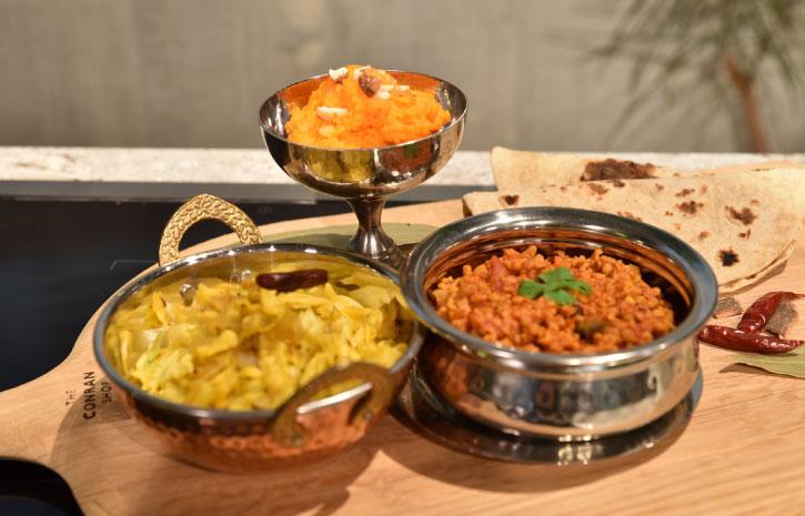 武尊 たける インド料理ムンバイ World Buzz Cooking ガジャルハルワ キャベツのサブジ ソヤキーマカレー